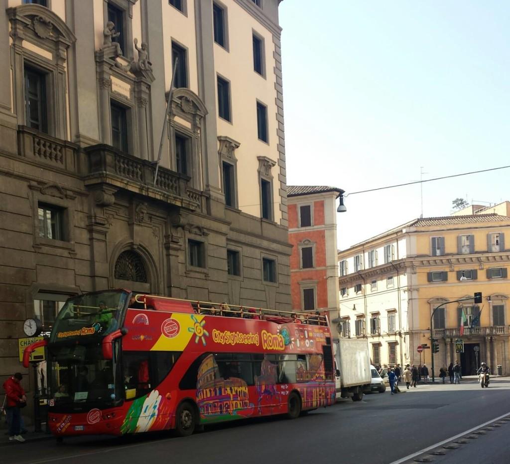 HOP ON HOP OFF EM ROMA - foto Ana Venticinque