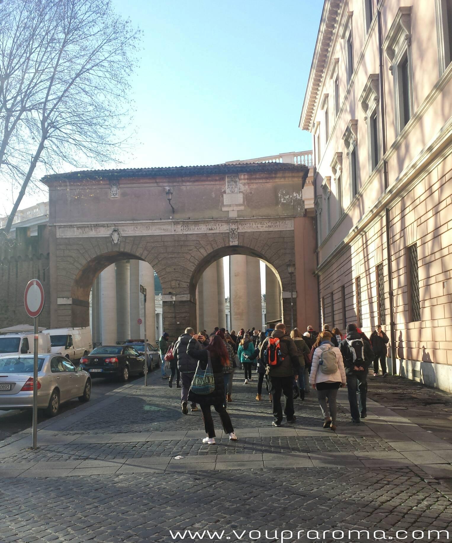 PORTA ANGÉLICA - BASÍLICA DE SÃO PEDRO - Blog Vou´pra Roma