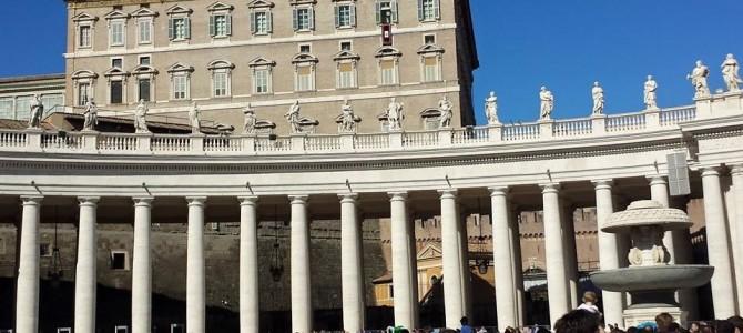 Angelus – Papa na Praça São Pedro em Roma