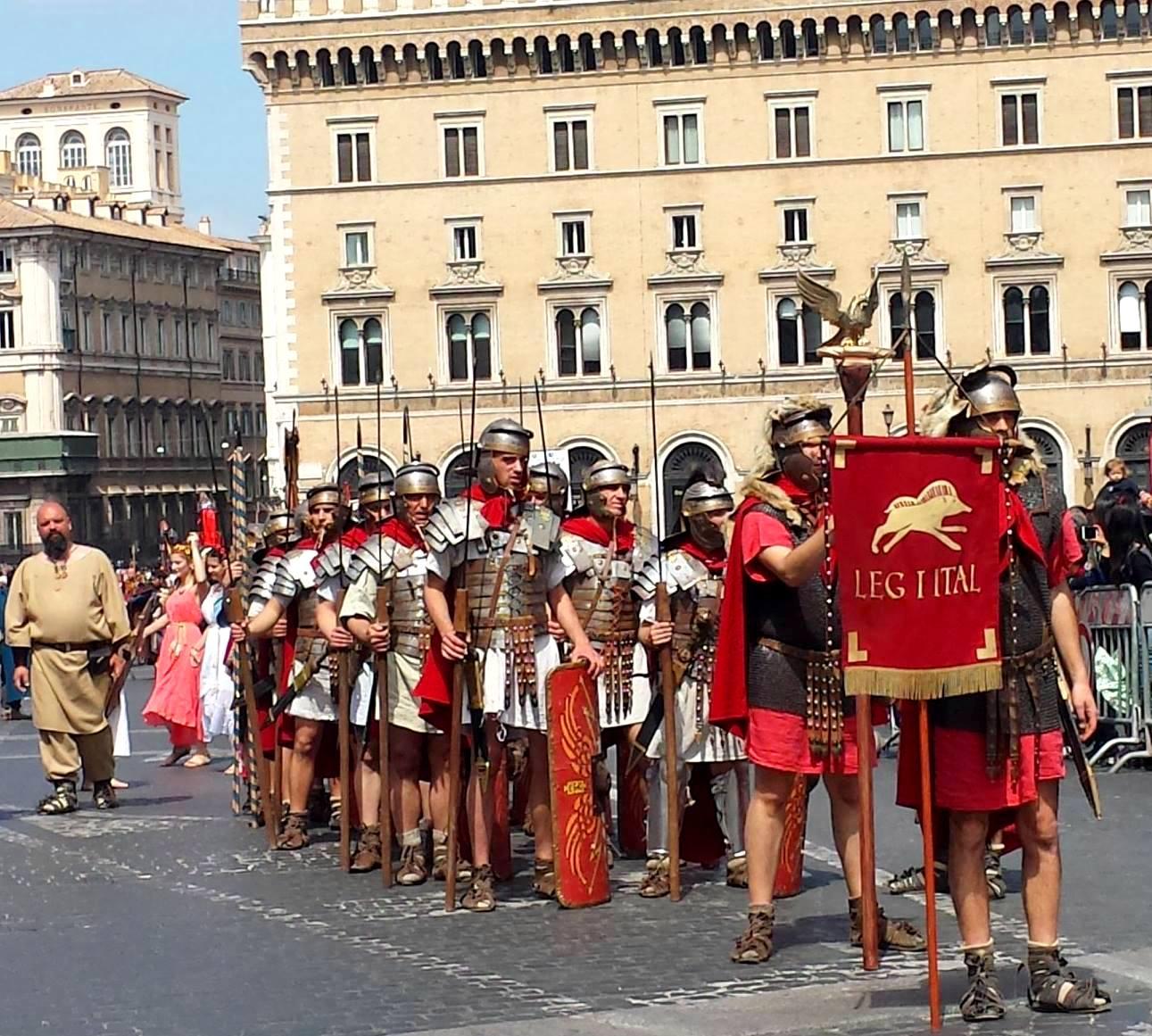 DESFILE ANIVERSÁRIO DE ROMA - NATALE DI ROMA