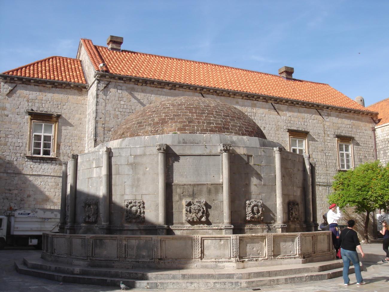 Fonte di Onofrio - Dubrovnik - Croacia - Vou pra Roma Blog