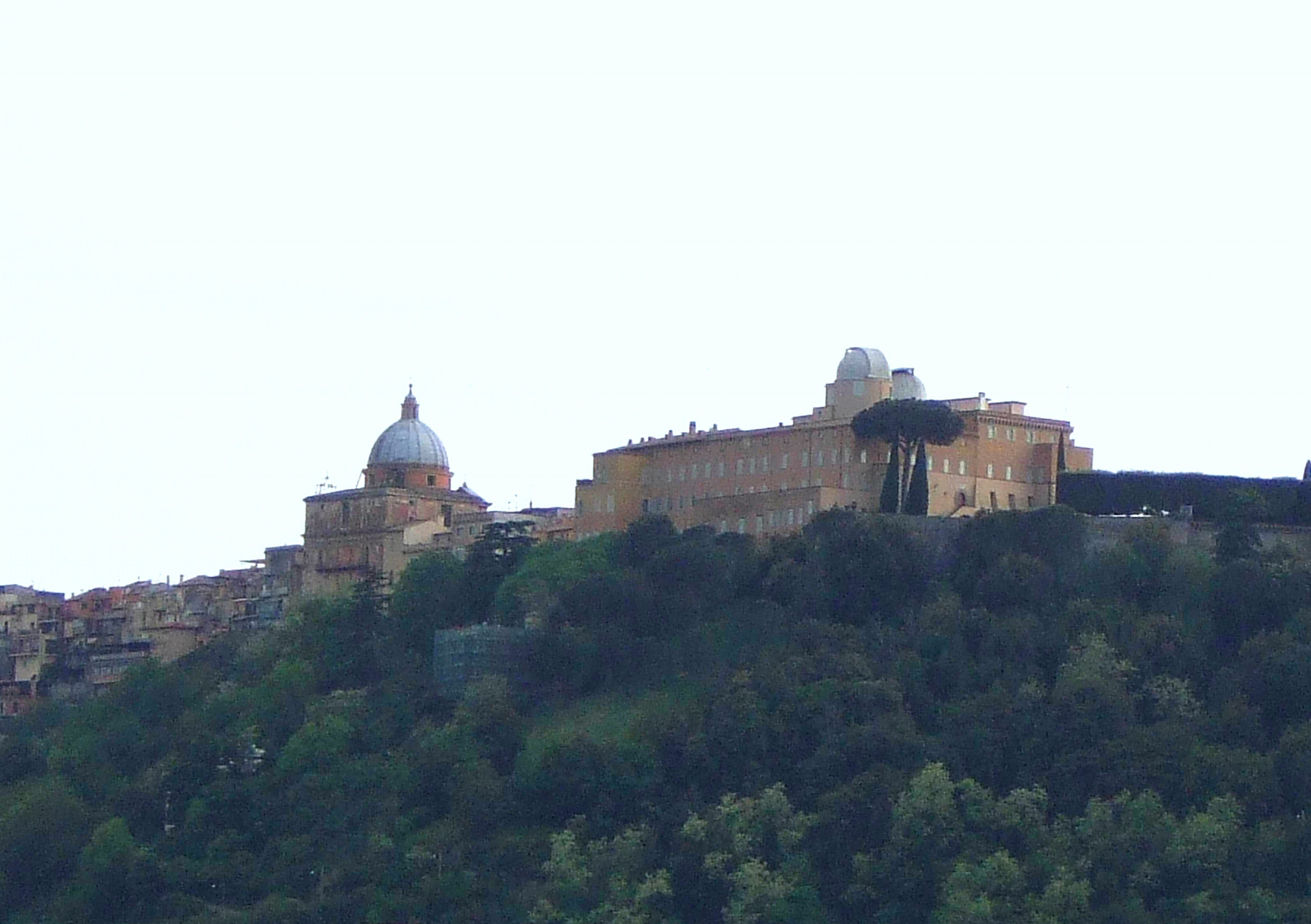 CASTEL GANDOLFO - RESIDENCIA DE FÉRIAS DO PAPA - FOTO Wiki commons
