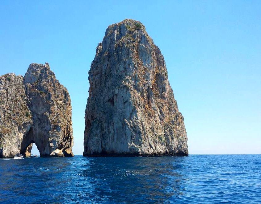 Um dia em Capri - I FARAGLIONI - Blog Vou pra Roma