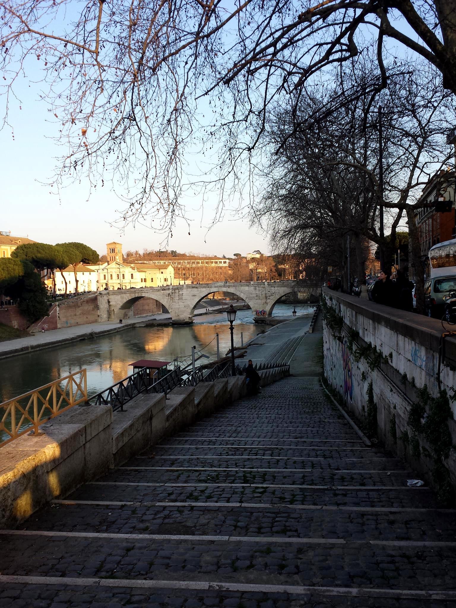 lungo Tevere Ponte Garibaldi - FOTO Ana Venticinque