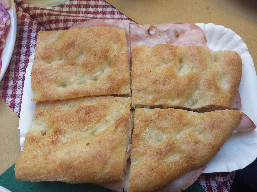 PIZZA COM MORTADELA - LO ZOZZONE - FOTO Ana Venticinque