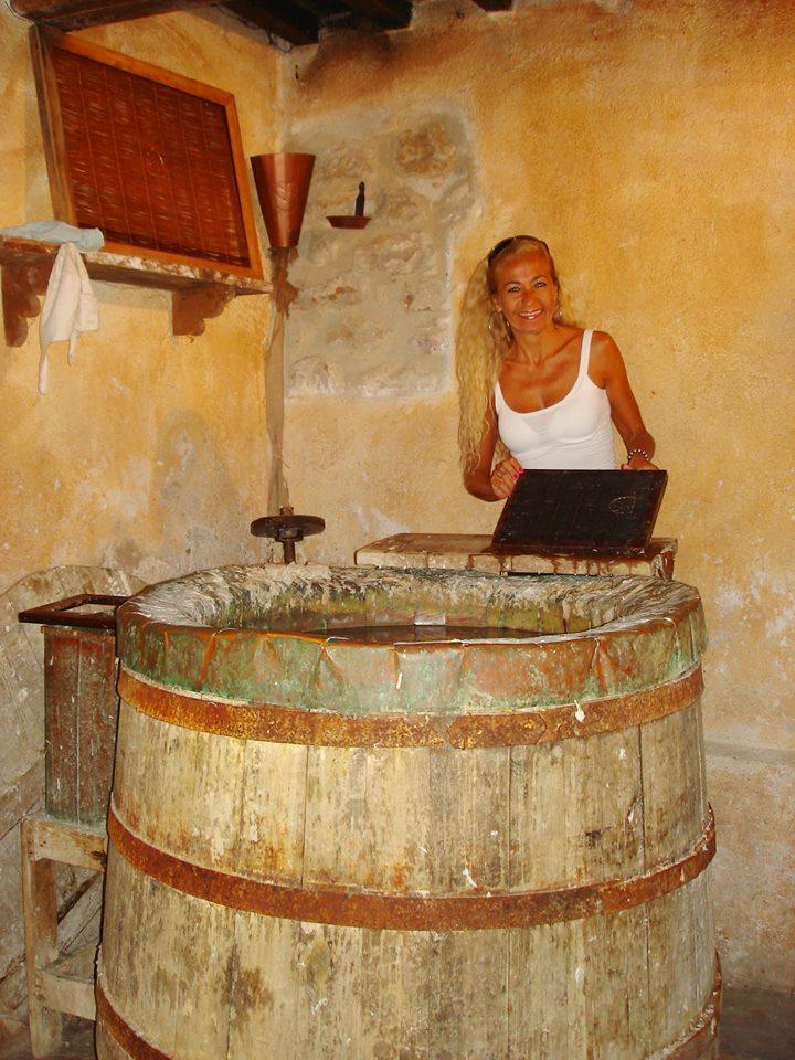 FABRICA DE PAPEL MEDIEVAL - BEVAGNA - UMBRIA   FOTO Ana Venticinque