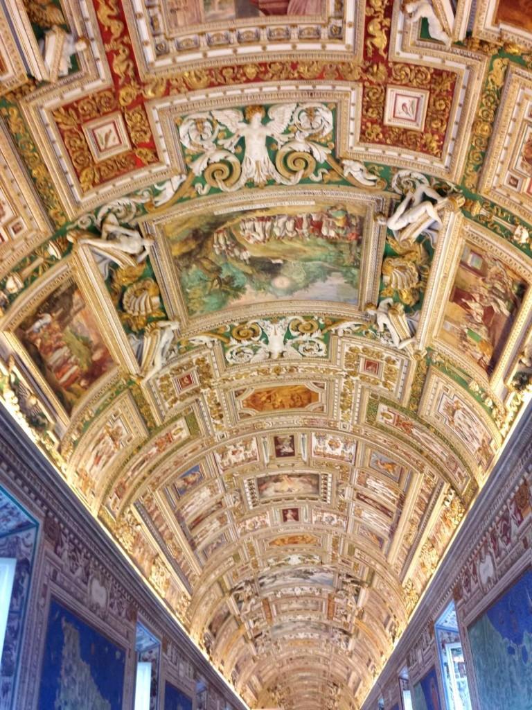 MUSEUS DO VATICANO - TETO GALERIA DOS MAPAS - FOTO Ana Venticinque