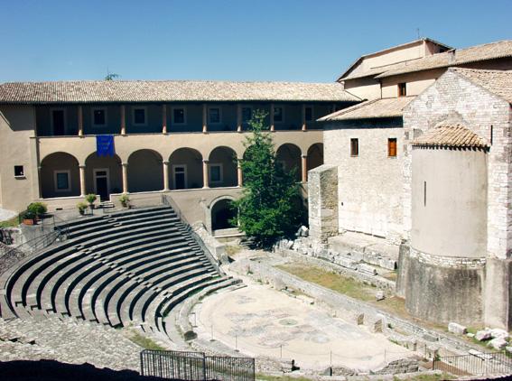 Teatro Romano Spoleto - foto Wiki Commons