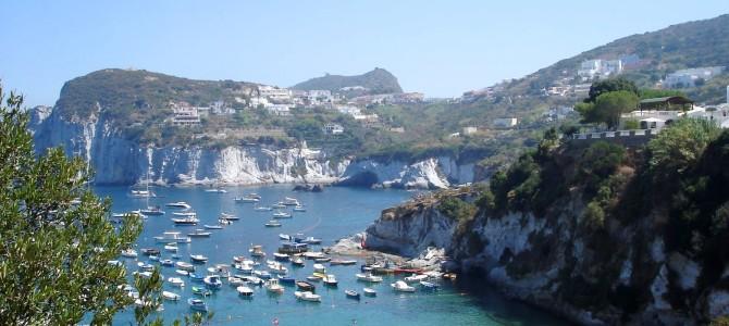 Ponza uma ilha italiana de mar cor Caribe!
