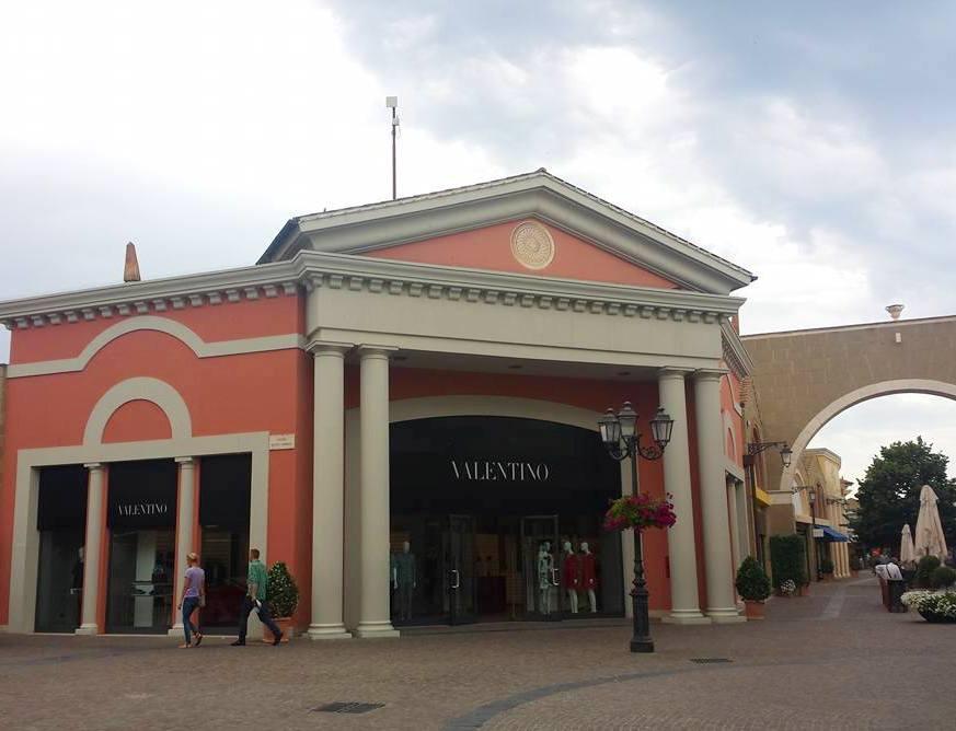Valentino - Castel Romano Designer Outlet - Blog VoupraRoma