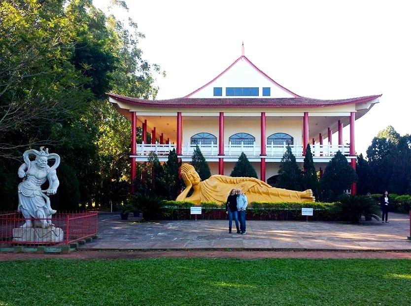 Blog VoupraRoma no Templo Budista - Foz do Iguaçu