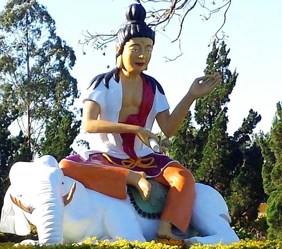 Foz do Iguaçu - Templo Budista - Blog VoupraRoma