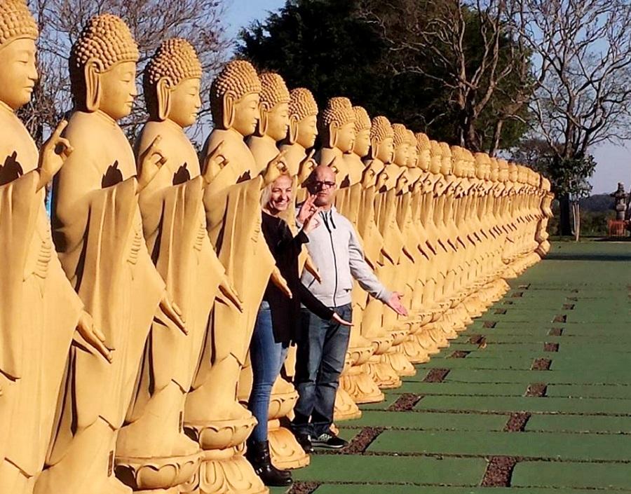 Budas no Templo Budista Foz do Iguaçu - Blog VoupraRoma