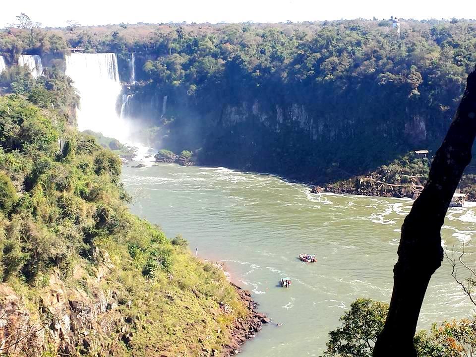 Cataratas do Iguaçu Brasil passeio Macuco Safári