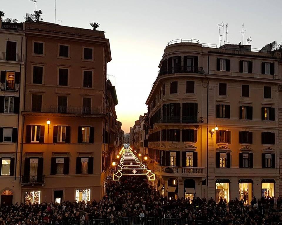 via-dei-condotti-roma-natal-2016-blog-voupraroma