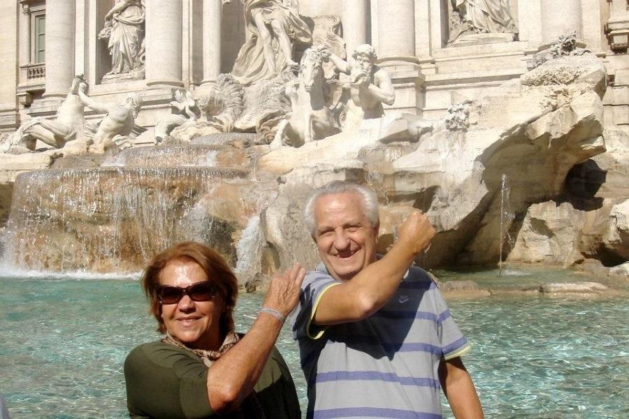 Na Fontana di Trevi - Blog Vou pra Roma