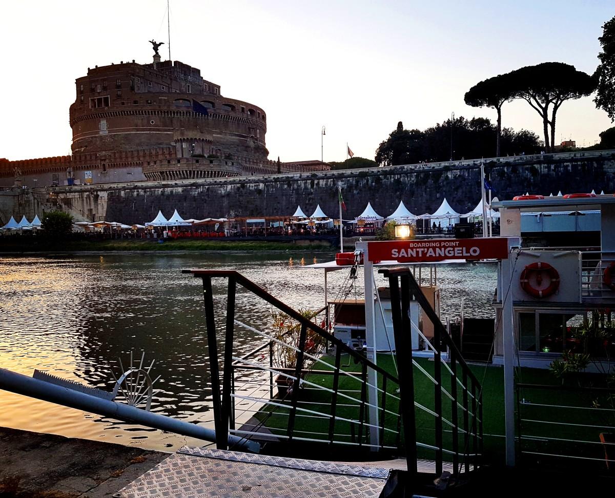 Passeio de Barco pelo Rio Tevere em Roma - Embarque - Blog Vou pra Roma