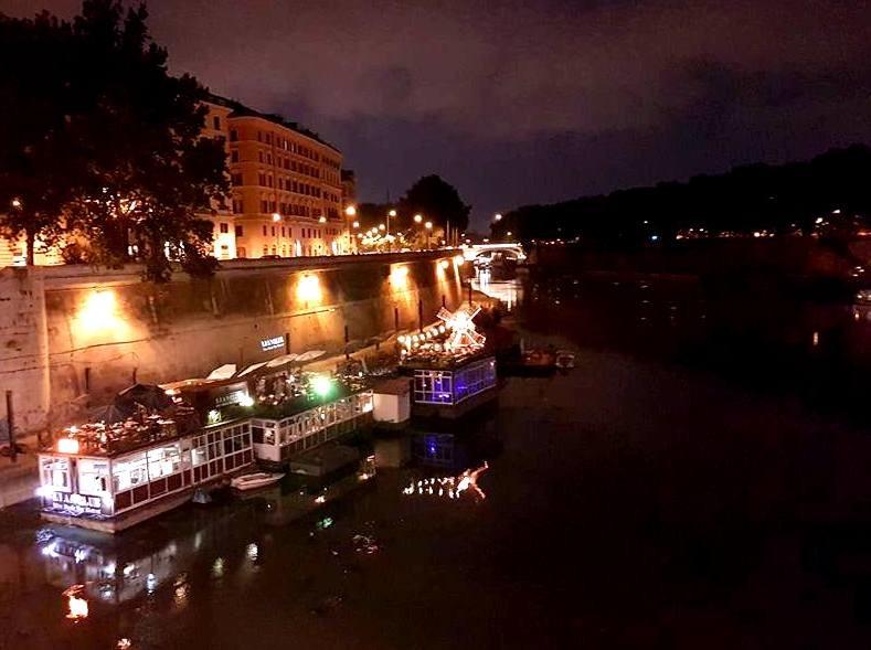 Bar restaurante e musica Flutuante Roma - blog Vou pra Roma