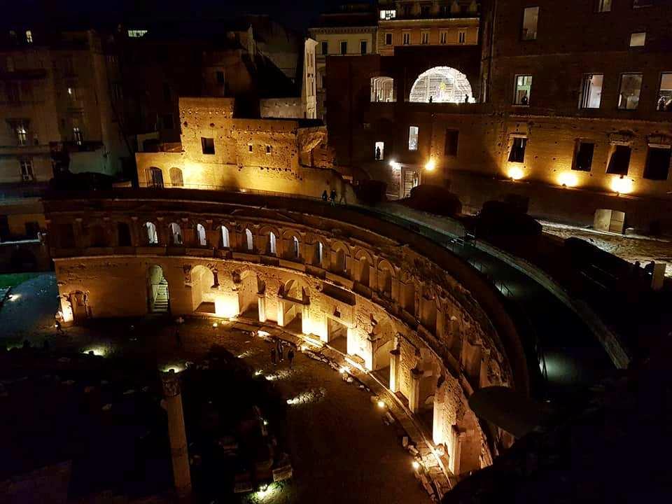 Noite - Mercados de Traiano - Roma - Blog Vou pra Roma
